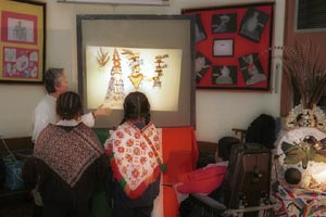 Picture 6: Graciela explains the background to the quechquémitl in a Mexicolore Aztecs workshop