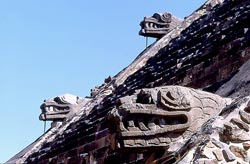 Pic 6: Feathered Serpent figures on the temple of Quetzalcóatl, Teotihuacán