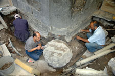 Pic 5: Members of the Templo Mayor Project team at work