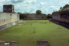 Pic 2: The great ballcourt at Chichén Itzá, Yucatán