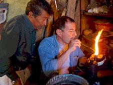 Pic 5: Raúl Ybarra experimenting with Jesús García Zavala, Michoacán