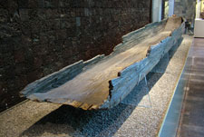 Pic 15: Remains of an Aztec canoe, National Museum of Anthropology, Mexico City. It measures 5 metres long and corresponds in our typology to type 1b