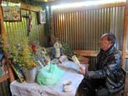 Fig 2: Don Isauro habla con los santos y lee el maíz