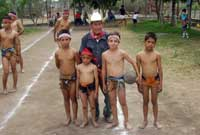 Pic 20: The youngest players with the oldest, looking to the future of Ulama in the 'taste' of Los Llanitos (2003)