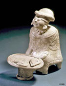Pic 4: Pottery figure of a Maya market seller, Veracruz region