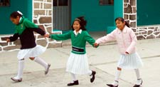 Pic 10: School girls, San Isidro Buensuceso, near Puebla