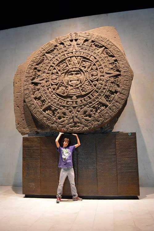Aztec Calendar Stone.Mexicolore
